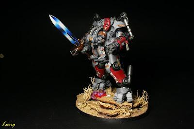 Servoterror Némesis con espada Némesis