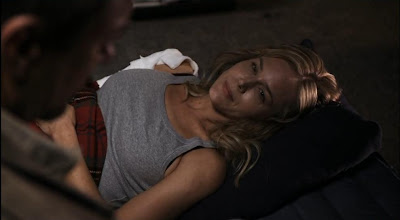 Mayor Amanda Rosewater injured Julie Benz Defiance pilot recap screencaps side boob