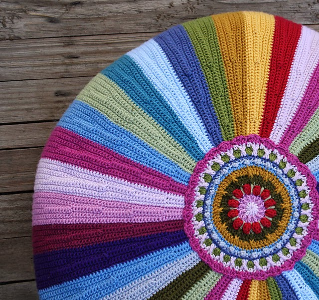 El món de Rosalía: Póngase cómodos: Puffs tejidos a crochet o punto