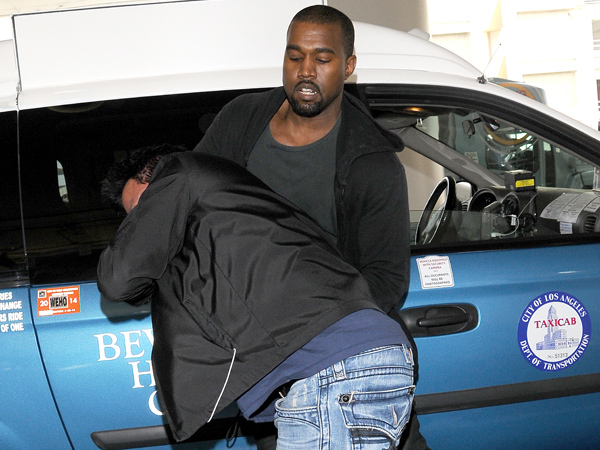 kanye west attacks paparazzi video