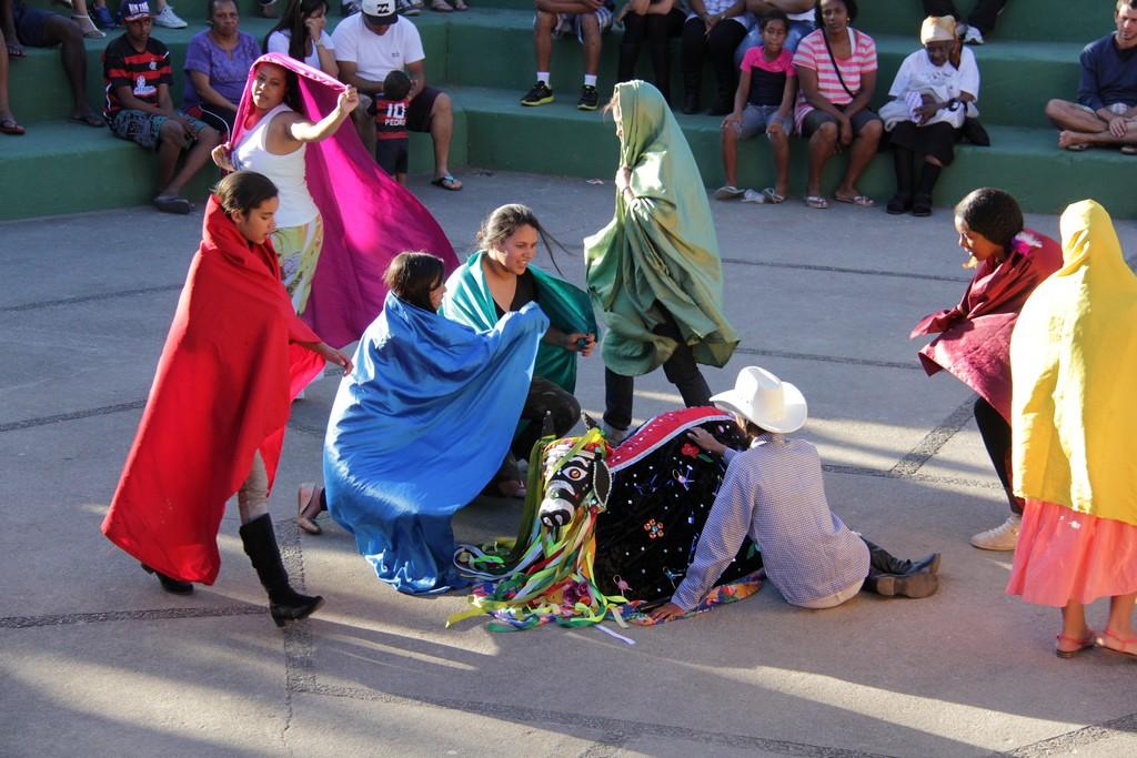 Diversas manifestações artísticas foram apresentadas, como o Bumba Meu Boi