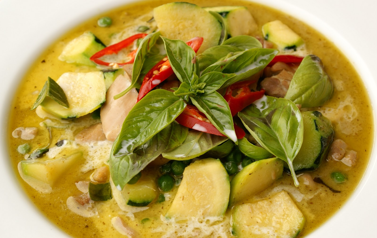 Recipes - Easy Thai Food: Green Curry Chicken (Kaeng Keaw ...