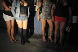 local chicas bailando cerca de Cartagena