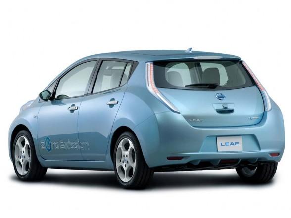 automatives tech gadgets nissan leaf is japanese car of. Black Bedroom Furniture Sets. Home Design Ideas