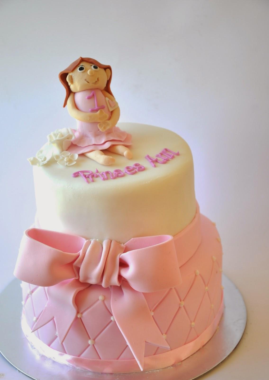 Rozannes Cakes Princess First Birthday Cake