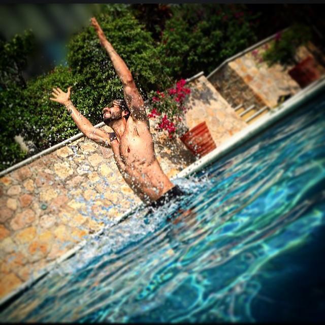 http://telenovelasfans.blogspot.com/2015/06/fotos-hot-de-jose-ron.html