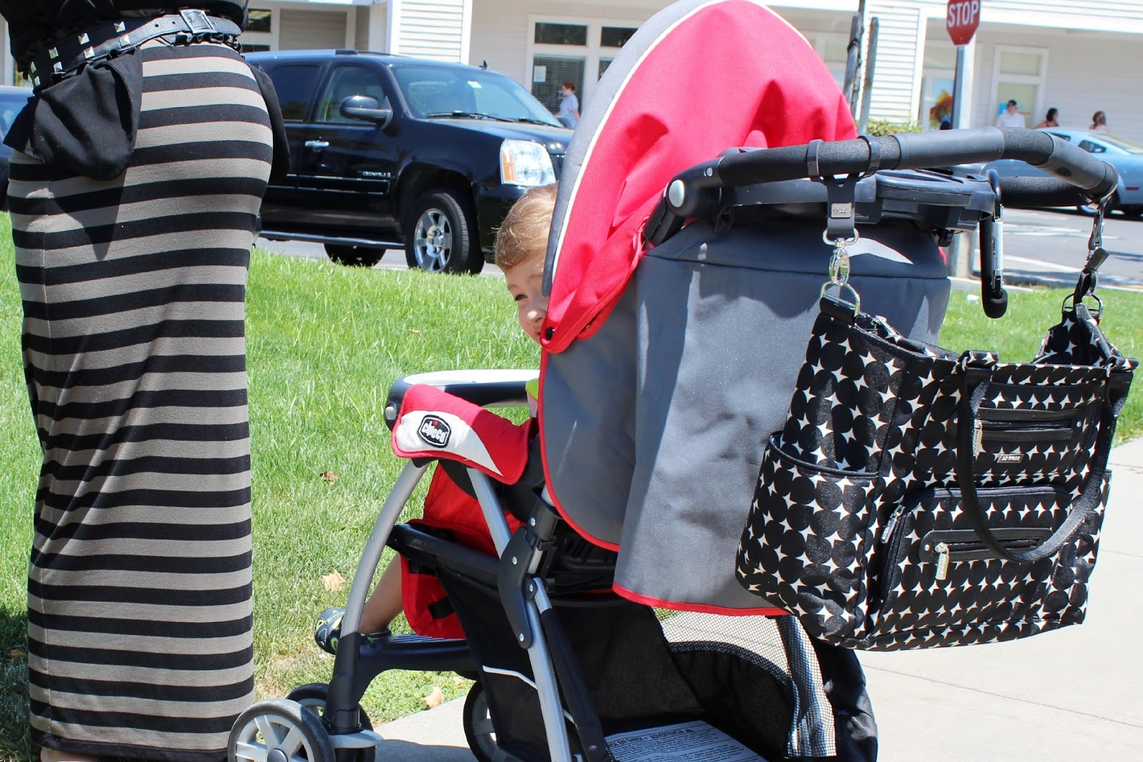 jj cole collections 39 caprice diaper bag giveaway. Black Bedroom Furniture Sets. Home Design Ideas