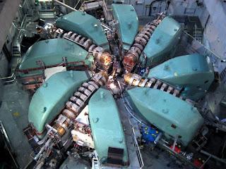 Il Ring Cyclotron: acceleratore superconduttore da 590 MeV e 2.5 mA di corrente
