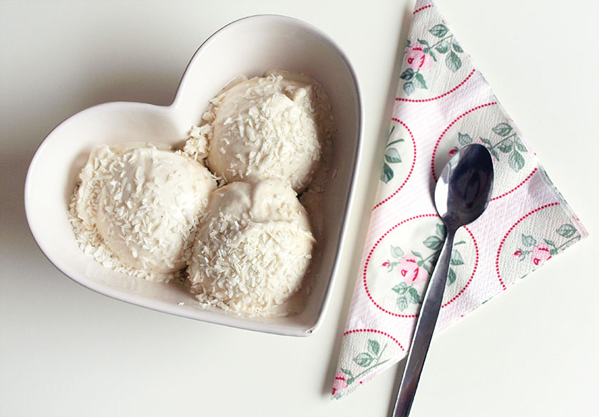 ... and lifestyle blog: Healthy, vegan banana & coconut ice cream recipe