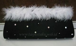 Tas Pesta Cantik Hitam Bulu Putih