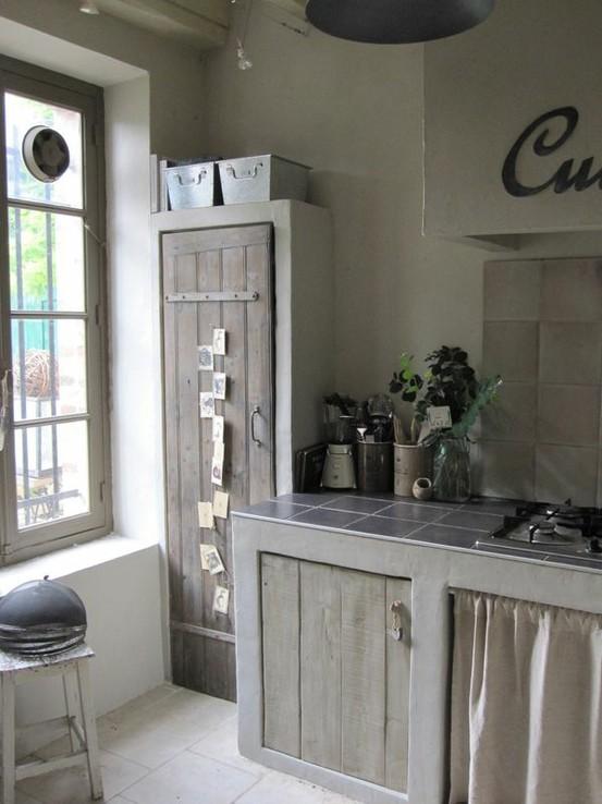 Gezellige Keuken Maken : Rustic Kitchen Pantry Door