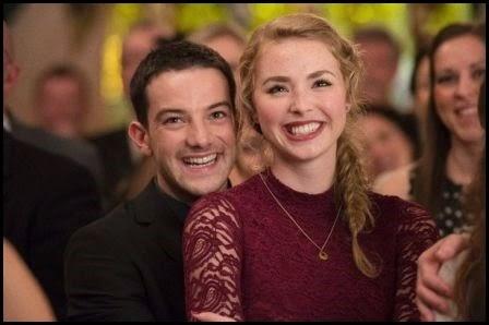 Kevin Guthrie y Freya Mavor en 'Amanece en Edimburgo' (Dexter Fletcher, 2013)