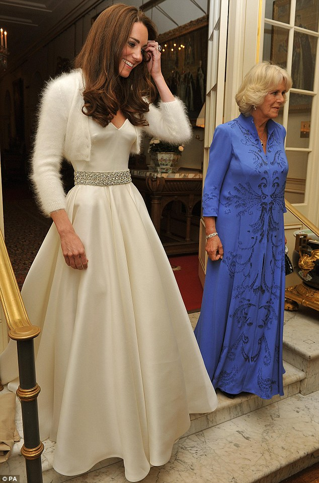 Strictly kate catherine the duchess of cambridge kate for Wedding dress princess kate