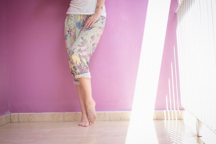 Arnhem-pants-white-tee-fedora-boho-beach-style