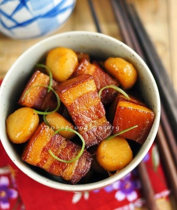 Cách làm món thịt heo kho củ năng ngon tuyệt