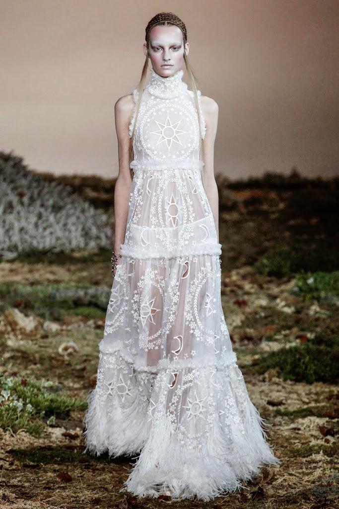 Alexander McQueen Paris Fashion Week Otoño Invierno 2014-2015 13