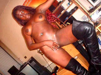 BLACK NYMPHOMANIAC BI-FEM