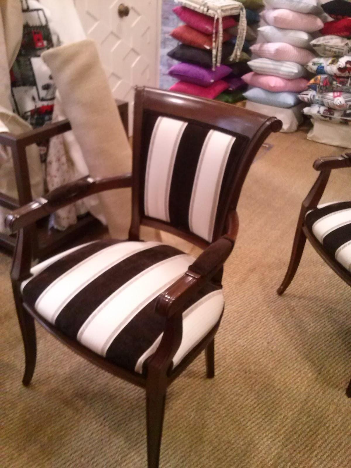 Creaciones de david y bego historia de dos butacas for Telas tapizar sillas comedor
