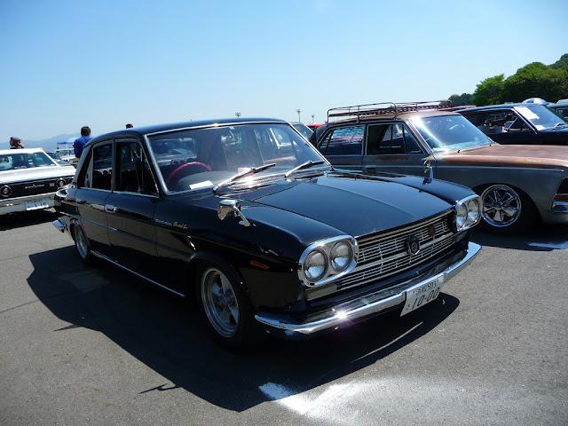 Nissan Cedric 130 stary japoński samochód oldschool klasyk