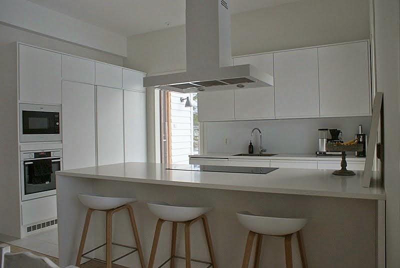 valkoinen keittiö, hay baarituoli