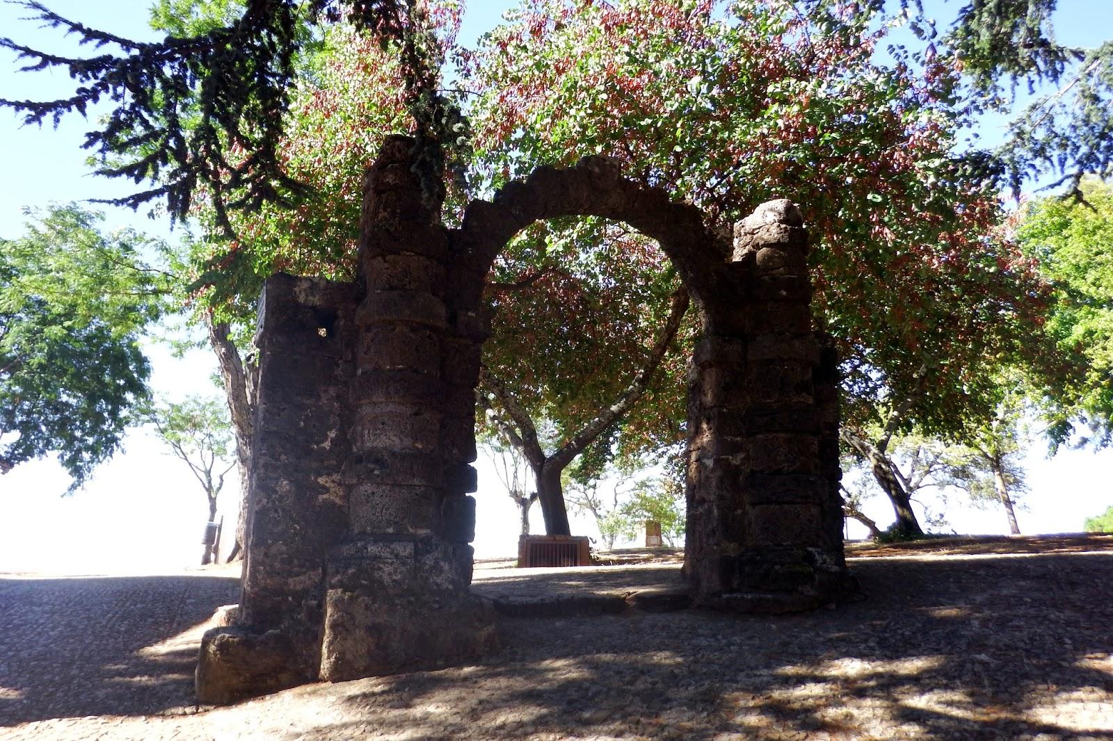 Arco de los Novios