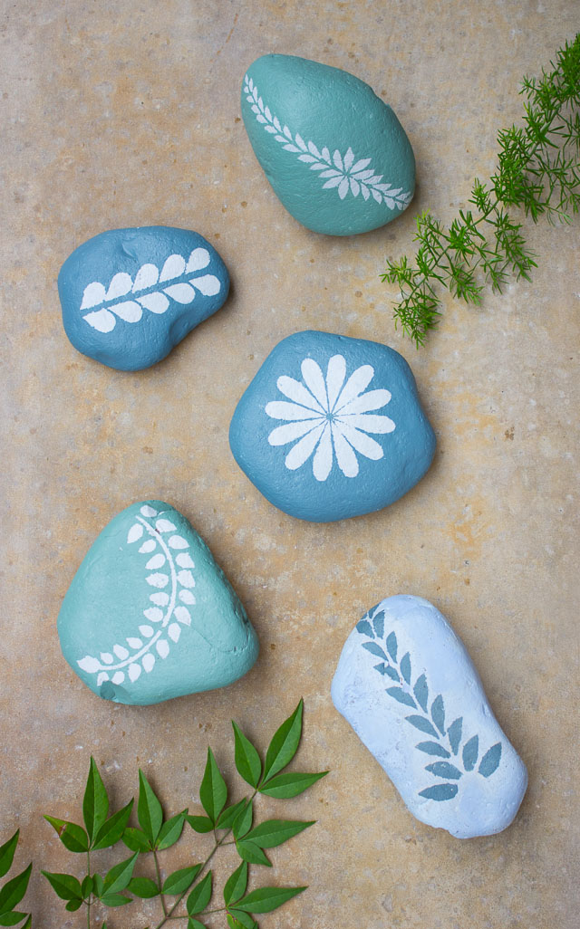 Chalk Paint Stenciled Garden Rocks Design Improvised