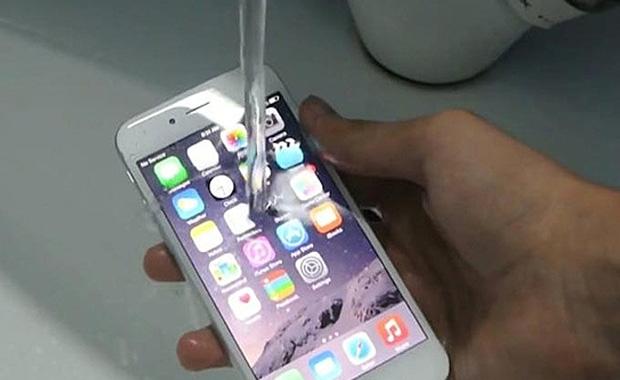 iPhone 7 Su Geçirmez Olacak