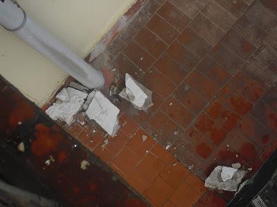 desperfectos en el edificio de la diputacion de la calle colon