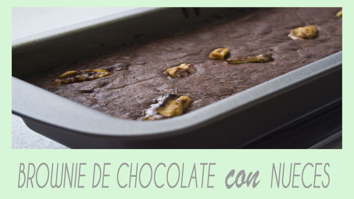Brownie de chocolate con nueces.