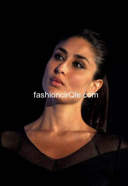 Kareena Kapoor -sony Vaio T Ultrabook Launch - SEXYY KAREEENA PICTURES - Famous Celebrity Picture
