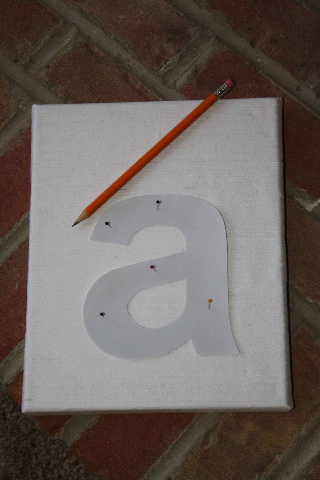 button letter nursery artwork tutorial