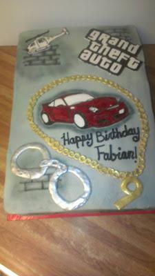 Grand Car Birthday Cake N Cupcakes