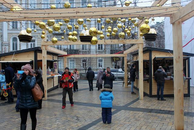 Фуд-зона фестиваля Новый год между двумя колокольнями