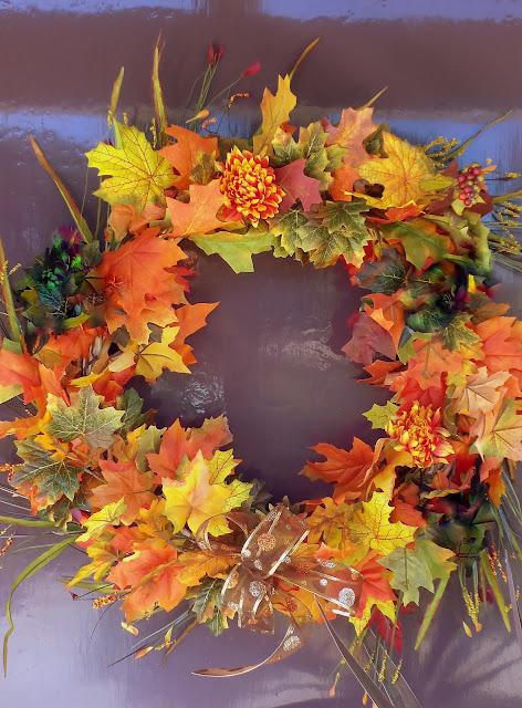 Autumn lights picture autumn homemade decoration ideas for Autumn leaf decoration