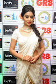 Shriya Saran latest pics at Gr8 Women Awards-thumbnail-7