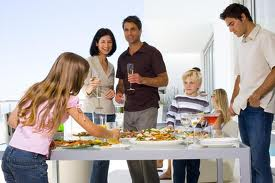 O petrecere reusita fara multa bataie de cap - aperitive, desert, recipiente originale