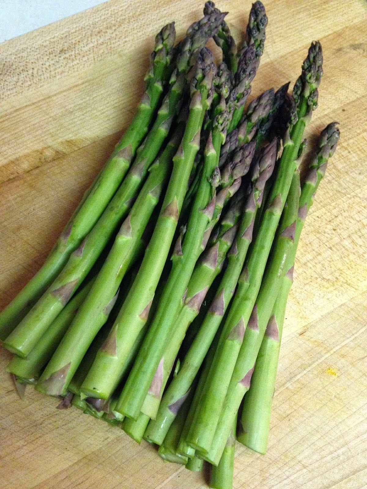 Bring A Large Pot Of Water To A Boil Add Asparagus And Cook Until Crisp Tender About 3 Minutes Drain And Rinse With Cold Water Then Pat Dry