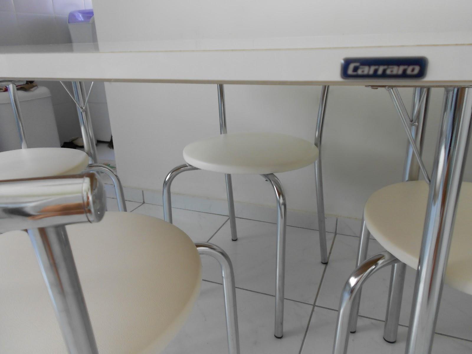 Mesa pequena para cozinha dobravel id ias for Mesas pequenas