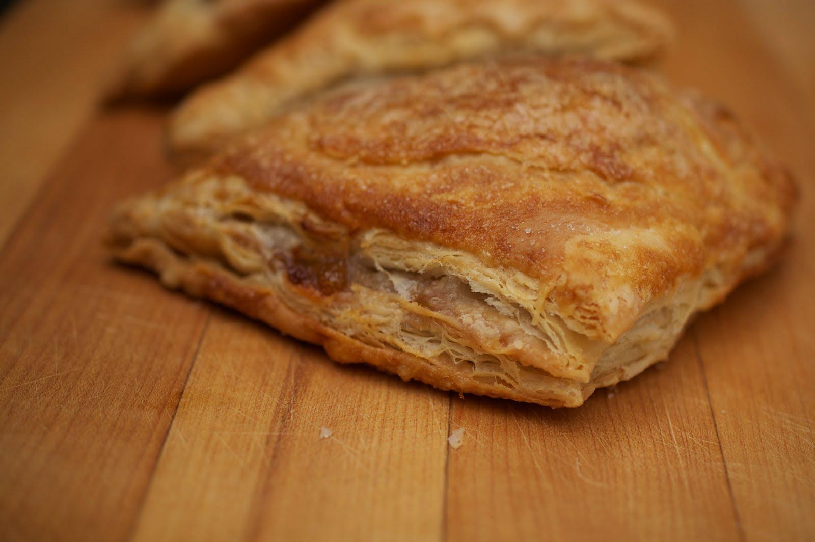 Косичка с яблоками слоеное тесто рецепт пошагово