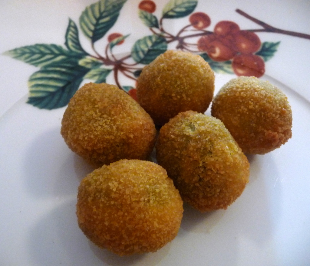 "Thermomix Tarif Defterim: Fried Stuffed Olives ""Olive Ascolane"""