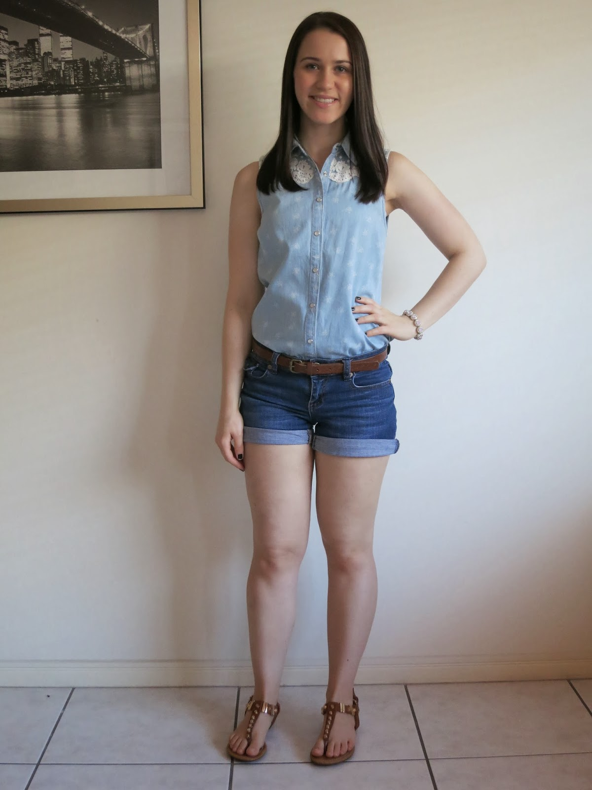 uni outfit, college outfit, petite girl outfit, chambray, denim shorts, tan sandals, summer outfit, spring outfit