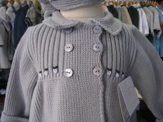 http://boutiqueinfantilcarrusel.blogspot.com.es/2011/09/abrigos-de-punto-ideales-para-el.html