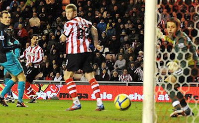 HASIL SKOR VIDEO SUNDERLAND VS ARSENAL 2-0 YOUTUBE
