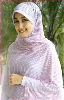 Cara memilih jilbab sesuai bentuk wajah