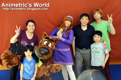 Photo op with Scooby Doo and the gang