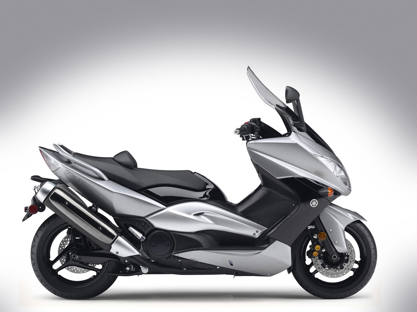 accident lawyers info 2010 yamaha tmax scooter pictures. Black Bedroom Furniture Sets. Home Design Ideas