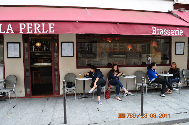 Nicest Cafe Rue Saint Honore Paris