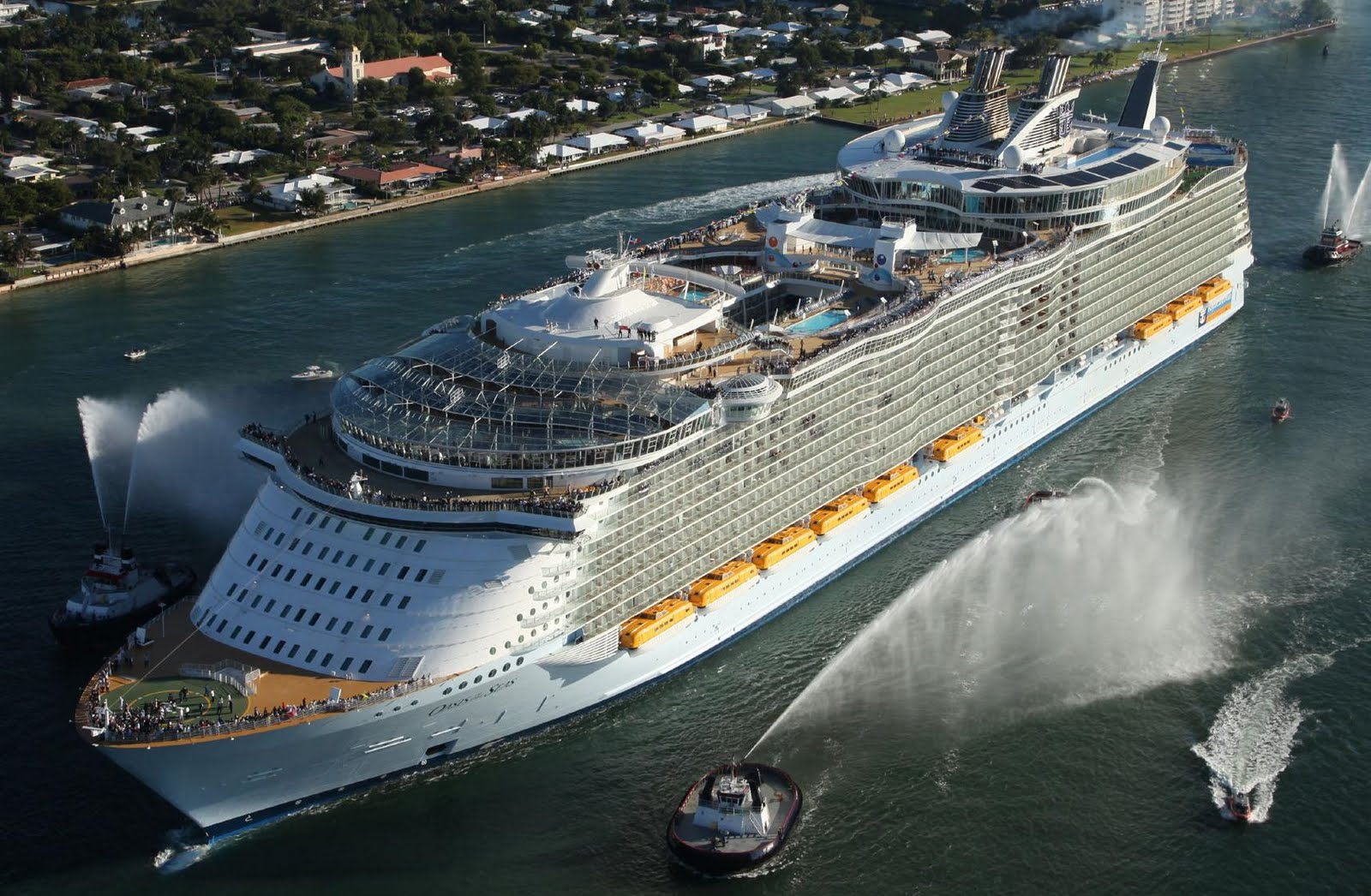 Amazing World Oasis Of The Seas  The Largest Luxury