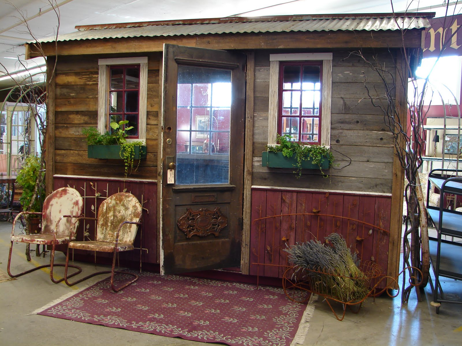 Little garden house - Aaaahh The Possibilities And The Many Uses You Could Turn This Into This Sweet Little Garden Shed Is In The House At Monticello And Ready To Be