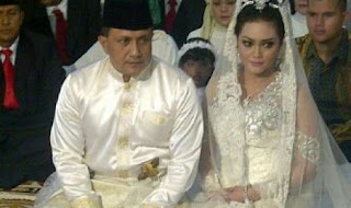 Pernikahan Bella Saphira dan Mayjen Agus Surya